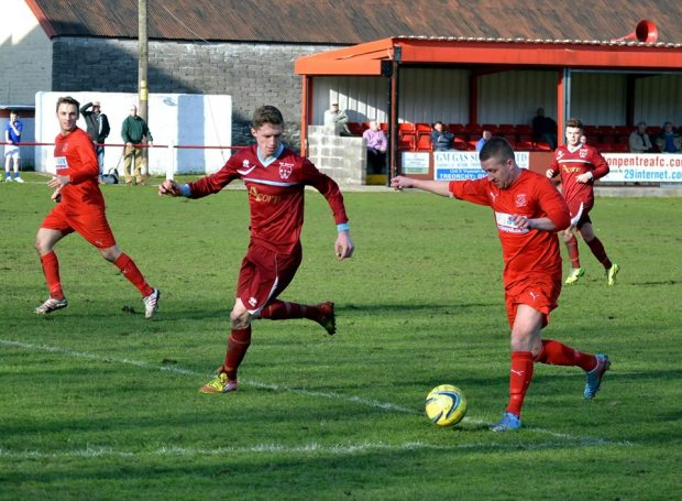 Bulldogs striker Dorian Sweet in action on the edge of the box.